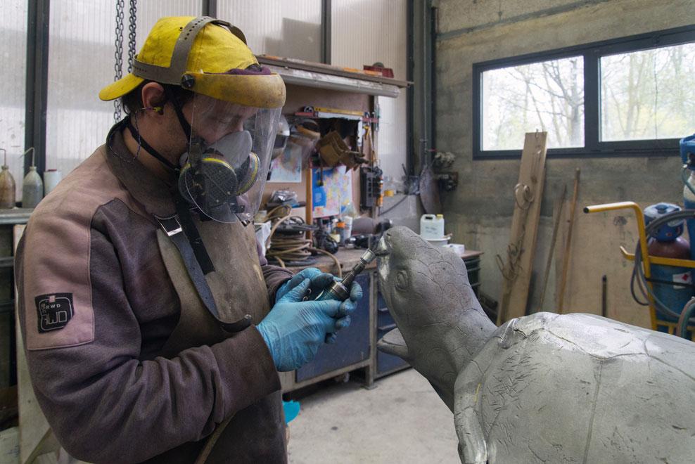 Una tortuga en proceso de restauración