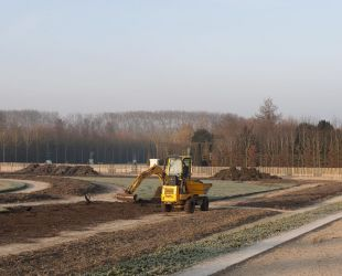 Levelling work on the Latona parterre