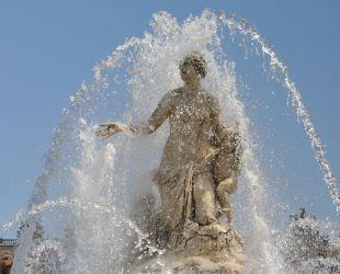 水が入れられたラトナの泉水