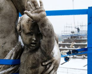Apolo durante el desmontaje del grupo escultórico