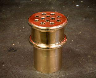 Prototipo de alcachofa de bronce