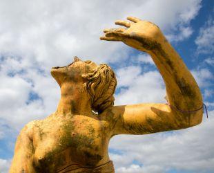 Salida de las esculturas de plomo