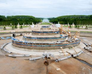 Dismantling the Latona Fountain