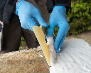 Demostración de la limpieza del mármol