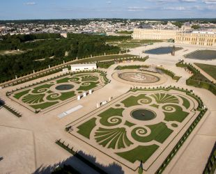 The Latona Parterre restored