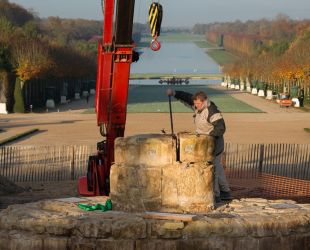 Removing the stone structure of Latona fountain