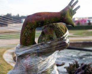 Les sculptures des bassins du Parterre de Latone partent en restauration