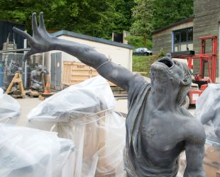 Lead sculptures restoration