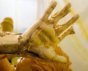 Dorure des sculptures de plomb