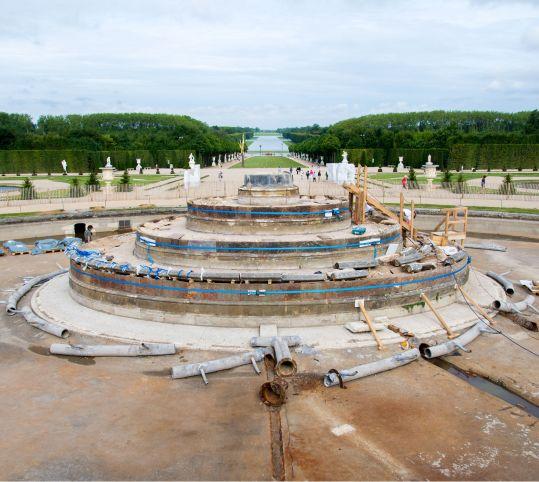 ラトナの泉水の解体