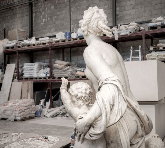 The sculpture group of the Latona fountain is being restored.