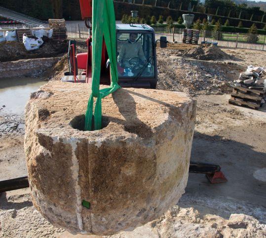 Démontage de la structure du bassin de Latone
