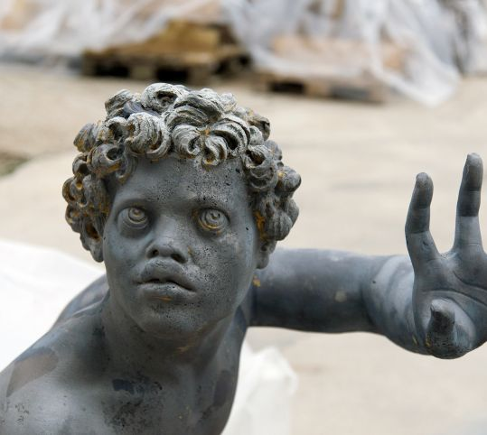Sculpture de plomb hydrogommé