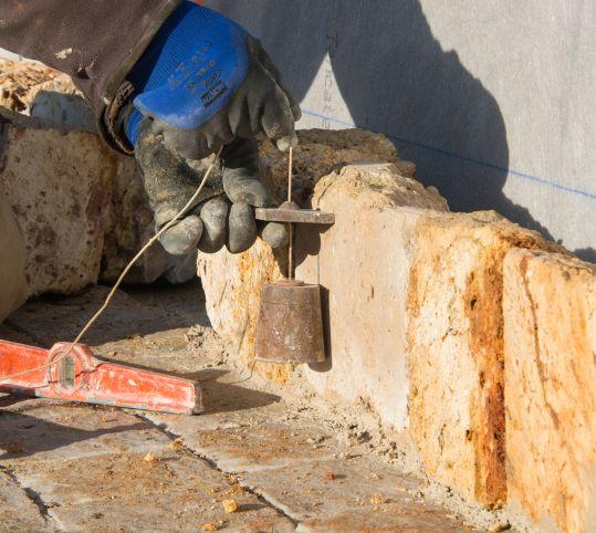 Mise en place de pierre meulière