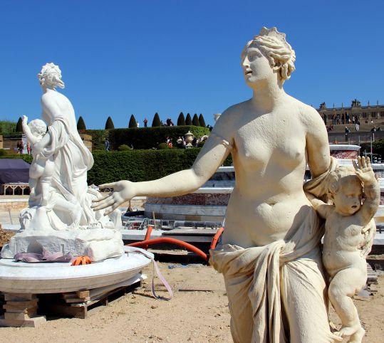 Les moulages du groupe sculpté de Latone